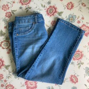 d. jeans Cropped Blue Jeans, Size 6